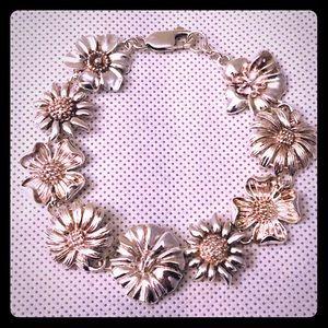 Jewelry - Vintage Sterling Flower Bracelet